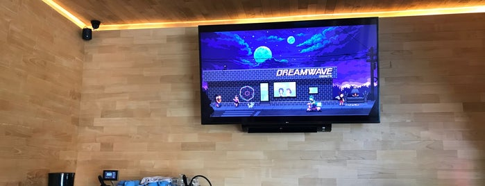 Dreamwave Donuts is one of Canggu+.