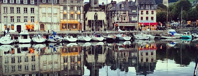 Port d'Honfleur is one of ParisParisParis and Île-de-France.