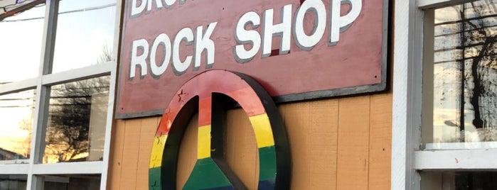Broken Arrow Rock Shop is one of Orte, die Chris gefallen.