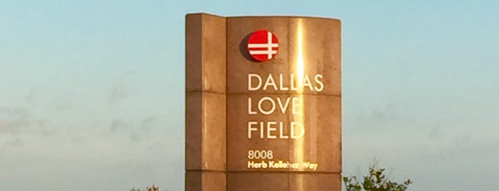 Dallas Love Field (DAL) is one of Locais curtidos por Chris.