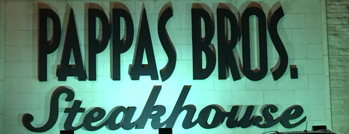 Pappas Bros. Steakhouse is one of Chris'in Beğendiği Mekanlar.