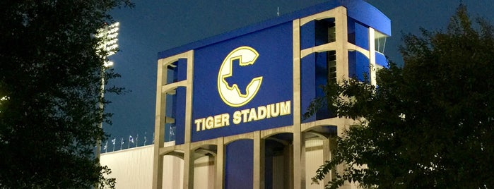 Tiger Stadium is one of Lugares favoritos de Chris.