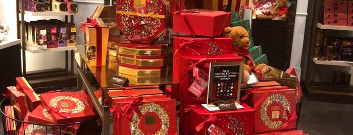 Godiva Chocolatier is one of Orte, die Chris gefallen.