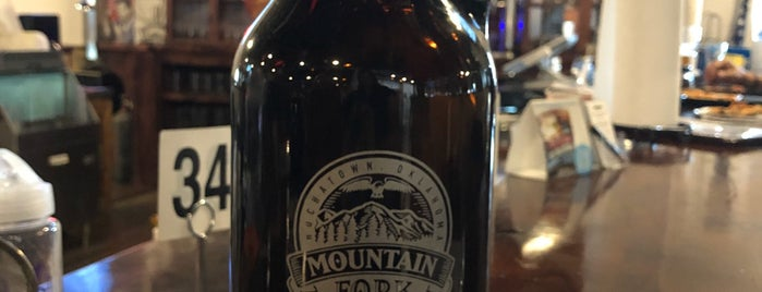 Mountain Fork Brewery is one of Lugares favoritos de Chris.