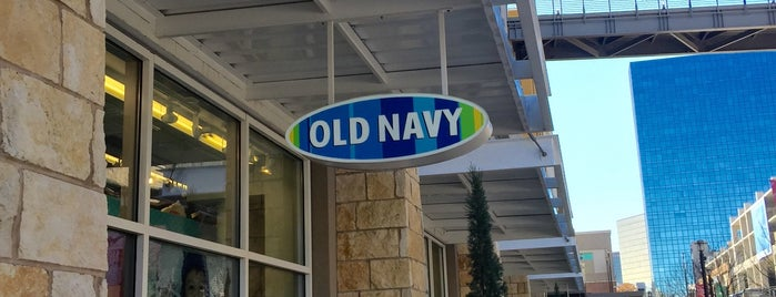 Old Navy is one of Locais curtidos por Chris.