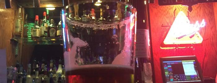 Skyline Restaurant & Lounge is one of Posti che sono piaciuti a Chris.