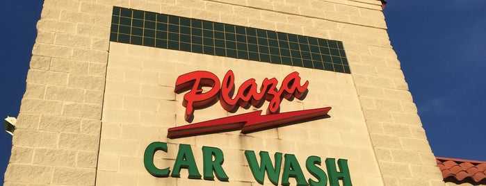 Plaza Car Wash & Lube Center is one of Posti che sono piaciuti a Chris.