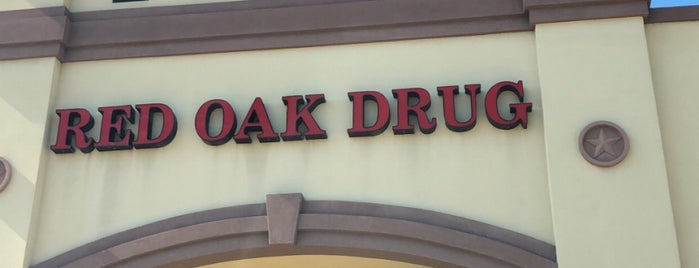 Red Oak Drug is one of Lieux qui ont plu à Chris.