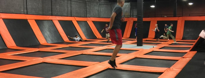 Urban Air Trampoline Park is one of Lugares favoritos de Chris.
