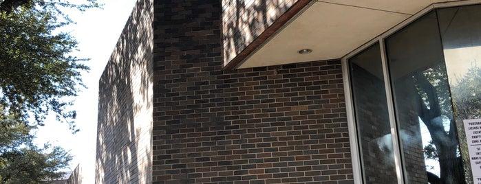 Oak Cliff Sub-Courthouse is one of Lieux qui ont plu à Chris.