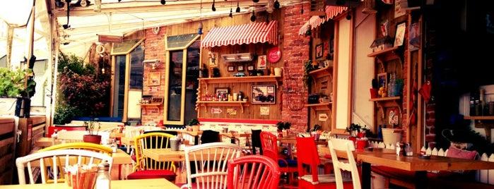 Taraça Cafe & Restaurant is one of Istanbul.