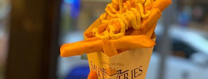 Sauce&Fries is one of Lugares guardados de Esen.