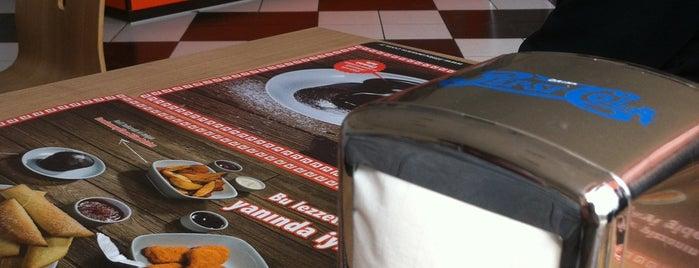 Little Caesars Pizza is one of Restaurantlar.