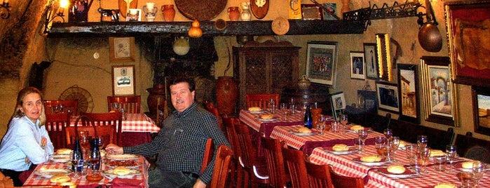 Bodega La Nieta is one of Tempat yang Disukai Norbert.