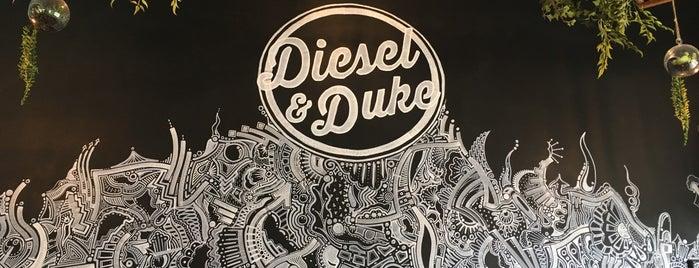 Diesel and Duke is one of Noah: сохраненные места.