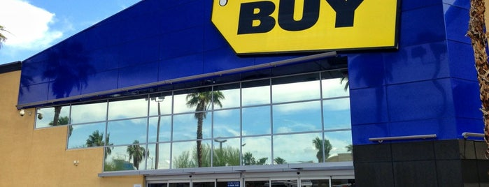 Best Buy is one of Locais curtidos por Ante.