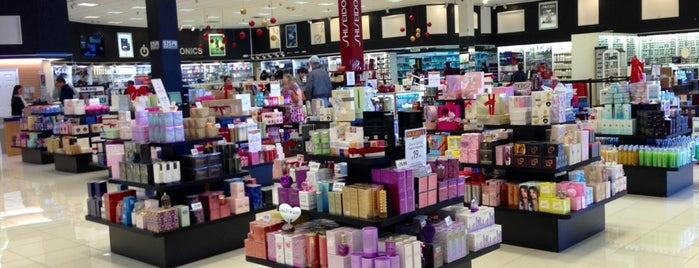 Perfumeland Store is one of Orlando/2013.