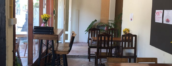 Lemon Thyme Cafe is one of Biancaさんのお気に入りスポット.