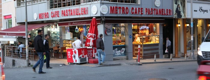 Metro Cafe & Patisseria is one of Locais curtidos por ESRA👑.