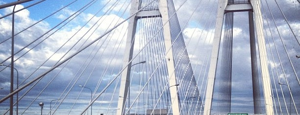 Bolshoy Obukhovsky Bridge (Cable-stayed bridge) is one of Леночка 님이 좋아한 장소.