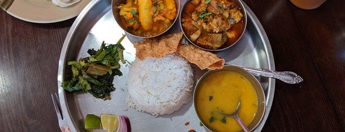 Lali Guras Restaurant is one of Tempat yang Disukai Kano.