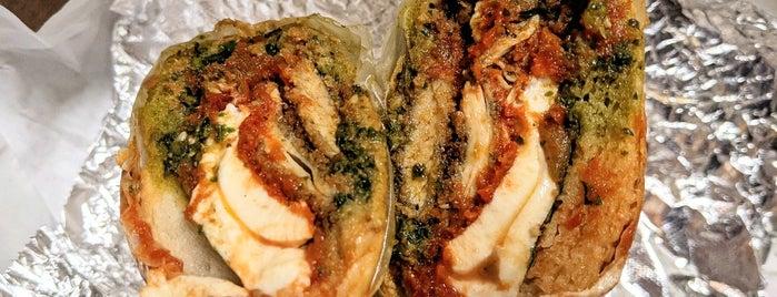 Cutlets Sandwich Co is one of Lugares favoritos de Selina.