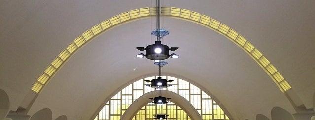 Halles du Boulingrin is one of Tempat yang Disukai Edmund.