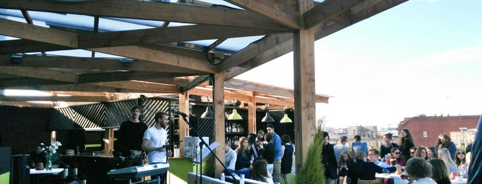 Botaniqué Bar is one of Macksさんのお気に入りスポット.