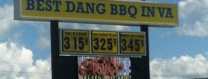 Smiley's BBQ is one of สถานที่ที่ Allen ถูกใจ.