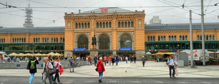 Hannover Hauptbahnhof is one of Joud's Liked Places.