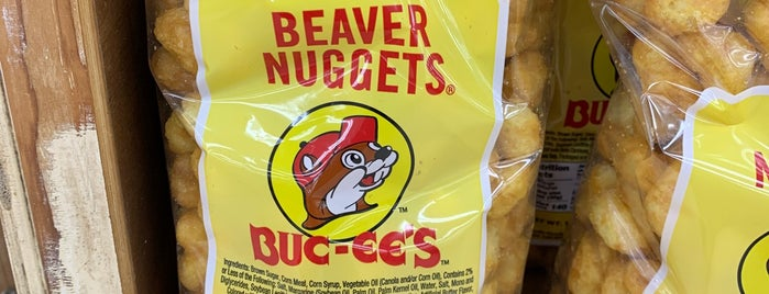 Buc-Ee's is one of Tempat yang Disukai Todd.