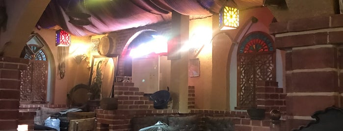 Darvish Traditional Restaurant | رستوران و سفره خانه درویش is one of Sarah 님이 좋아한 장소.