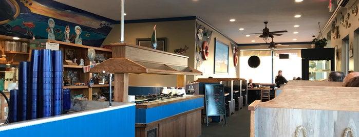Fisherman's Restaurant is one of Marlo: сохраненные места.
