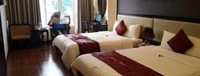 Serene Palace Hotel is one of Laurita 님이 좋아한 장소.