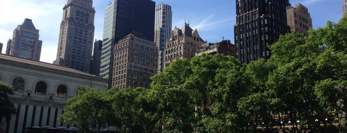 Bryant Park is one of À faire à New York.