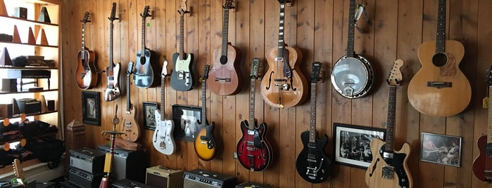 Old Style Guitar Shop is one of Los Angeles.