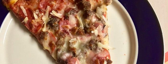 Cigarz Pizza is one of Tempat yang Disimpan Brad.