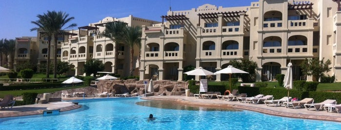 Rixos Sharm El Sheikh is one of Locais curtidos por Manu.