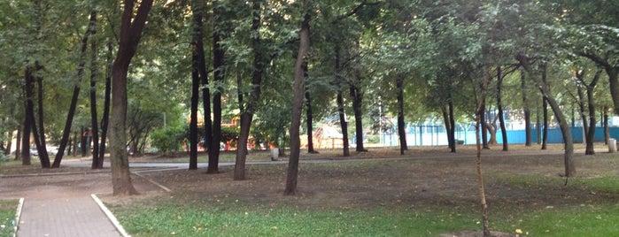 Площадка для выгула собак is one of BH Moscow.