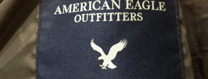 American Eagle Outfitters is one of Lugares favoritos de Kristina.