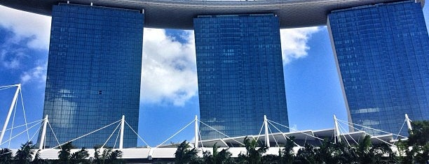 Tower 3 Marina Bay Sands Hotel is one of Tempat yang Disimpan Dmytro.