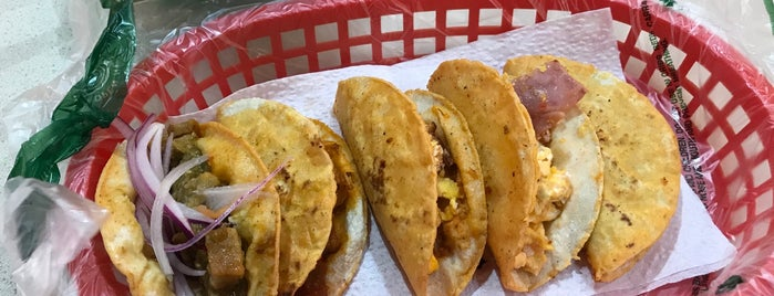 Tacos El Primo del Cercado is one of Taquitos.