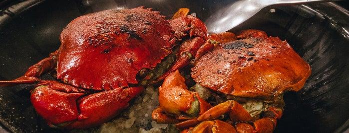 Oceana Seafood Restaurant is one of MAC 님이 좋아한 장소.