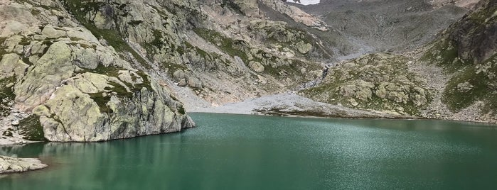 Lac Blanc is one of Wild.