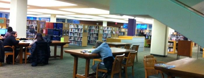 Toronto Public Library - Northern District Branch is one of Tawseef'in Beğendiği Mekanlar.