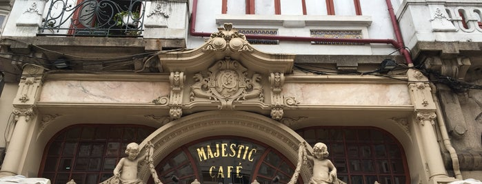 Majestic Café is one of Locais curtidos por Irina.