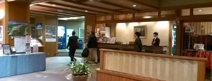 ホテルおもと is one of こんぶさんのお気に入りスポット.