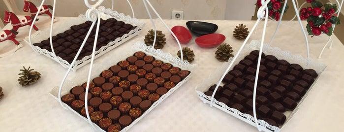 Larina Chocolate is one of Posti che sono piaciuti a Fuat.