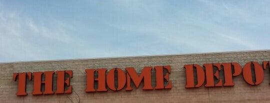 The Home Depot is one of สถานที่ที่ Joseph ถูกใจ.