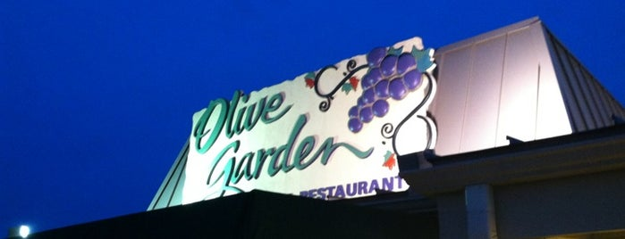 Olive Garden is one of สถานที่ที่ Aimee ถูกใจ.